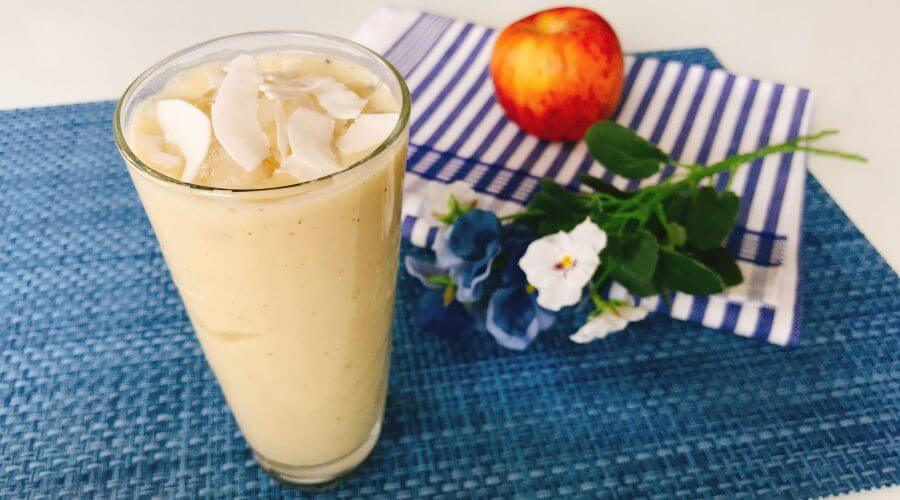 Low Carb Pfirsich-Kiwi-Smoothie