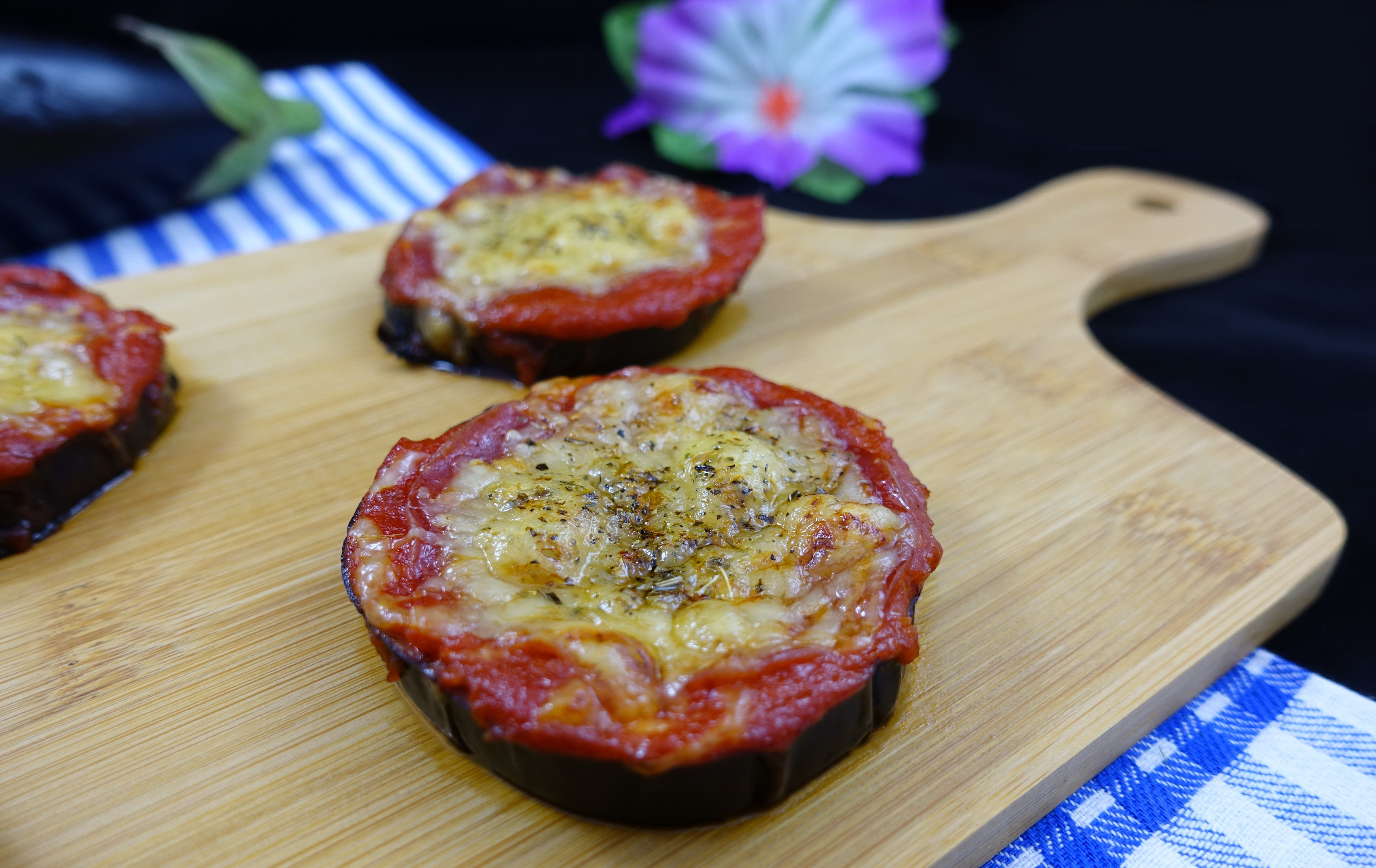 Low Carb Auberginen-Pizzen