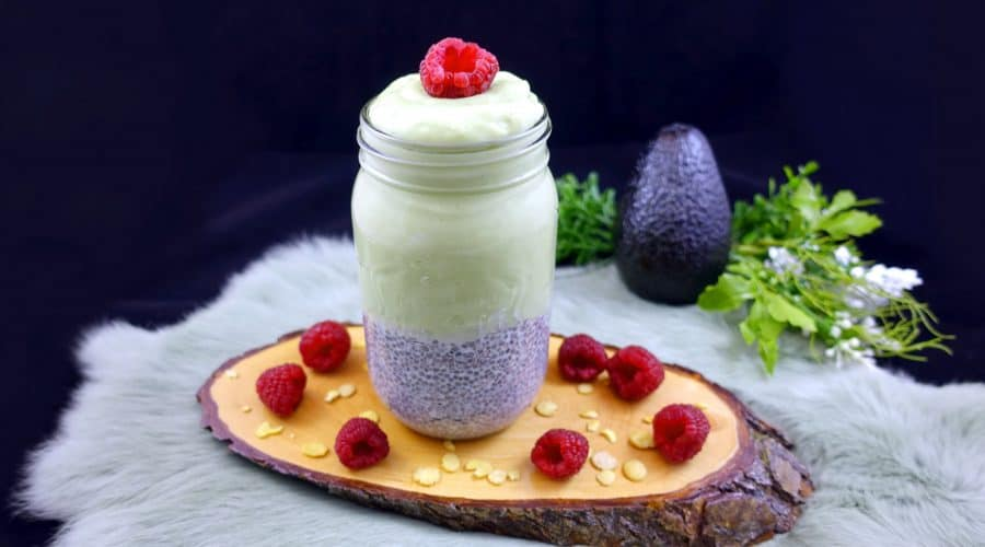 low carb chia pudding mit avocado schnelle low carb rezepte. Black Bedroom Furniture Sets. Home Design Ideas